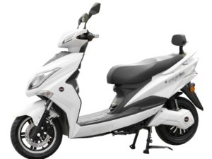 elektromos-robogo-1800w-hecht-equis-white-2-ev-jotallas-metal-kek-19-1